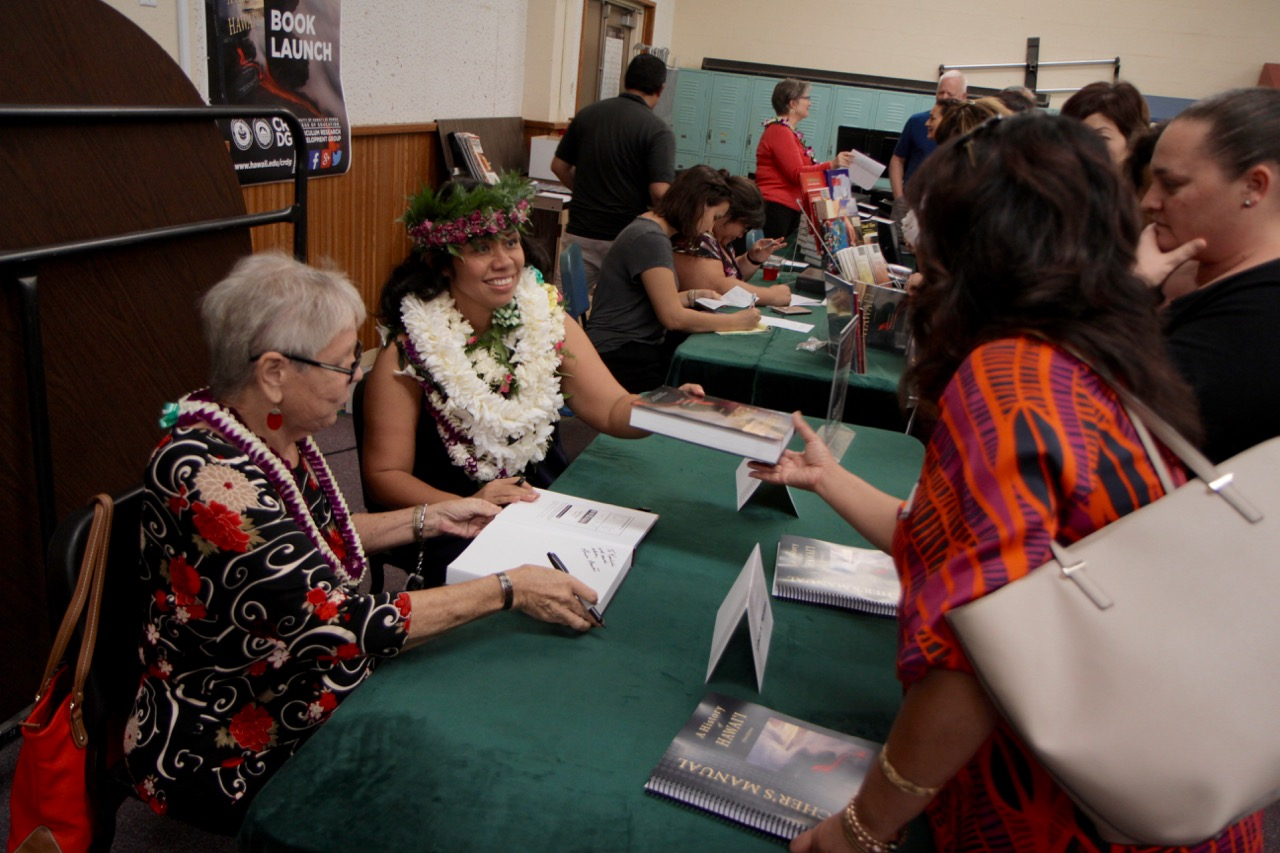 linda and leah book signing