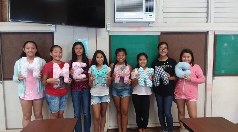 Wailani Diamond Club members with their Initial pillow projects