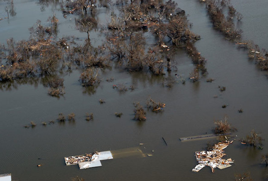 <p><strong>Fig. 4.15.</strong>&nbsp;(<strong>B</strong>) Flooding in Venice, Louisiana, after Hurricane Katrina in August 2005</p>
