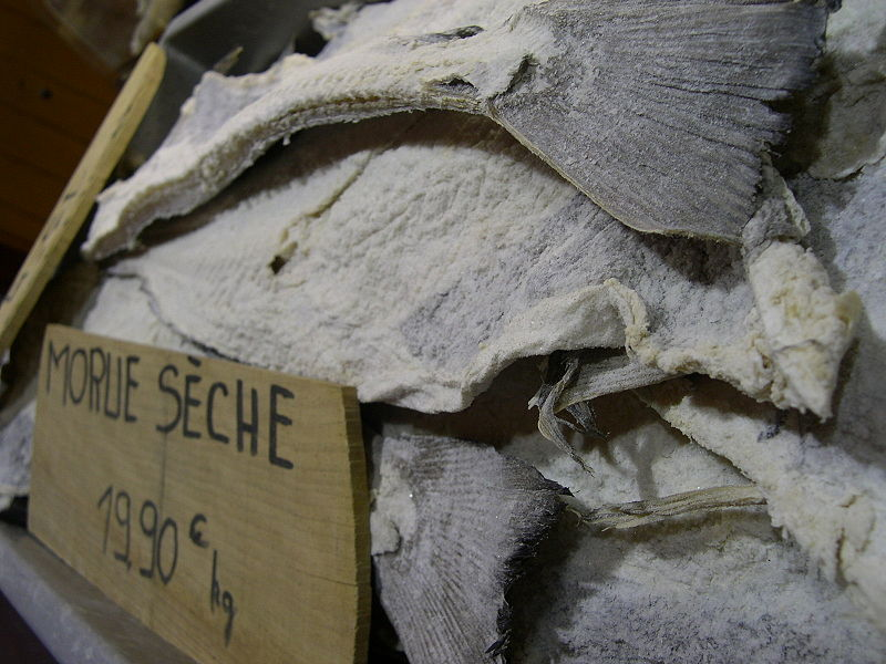 <p><strong>SF Fig. 2.17.</strong> Example (<strong>D</strong>) of salt-preserved foods:&nbsp;Salt cod on sale at a market in Nice, France</p>