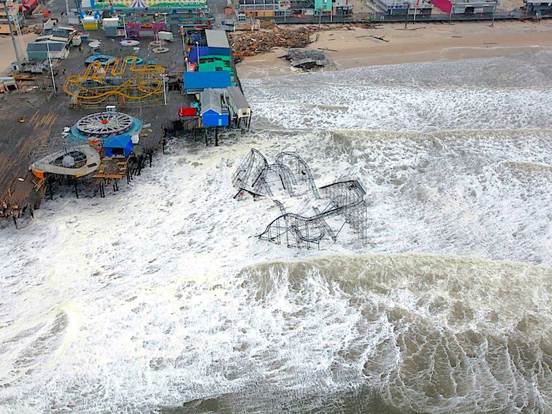 <p><strong>SF Fig. 3.6.</strong>&nbsp;(<strong>B</strong>) Coastal storm surge damaged Casino Pier during Hurricane Sandy in Seaside Heights, New Jersey.</p>