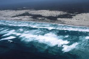 <p><strong>Fig. 5.2.</strong> Arial view of large surf zone in South Australia (Dog Fence Beach, western Eyre Peninsula)</p><br />