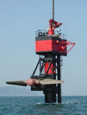 <p><strong>SF Fig. 6.17.</strong>&nbsp;(<strong>B</strong>) SeaFlow tidal turbine raised out of the water for maintenance, Devon, United Kingdom</p><br />