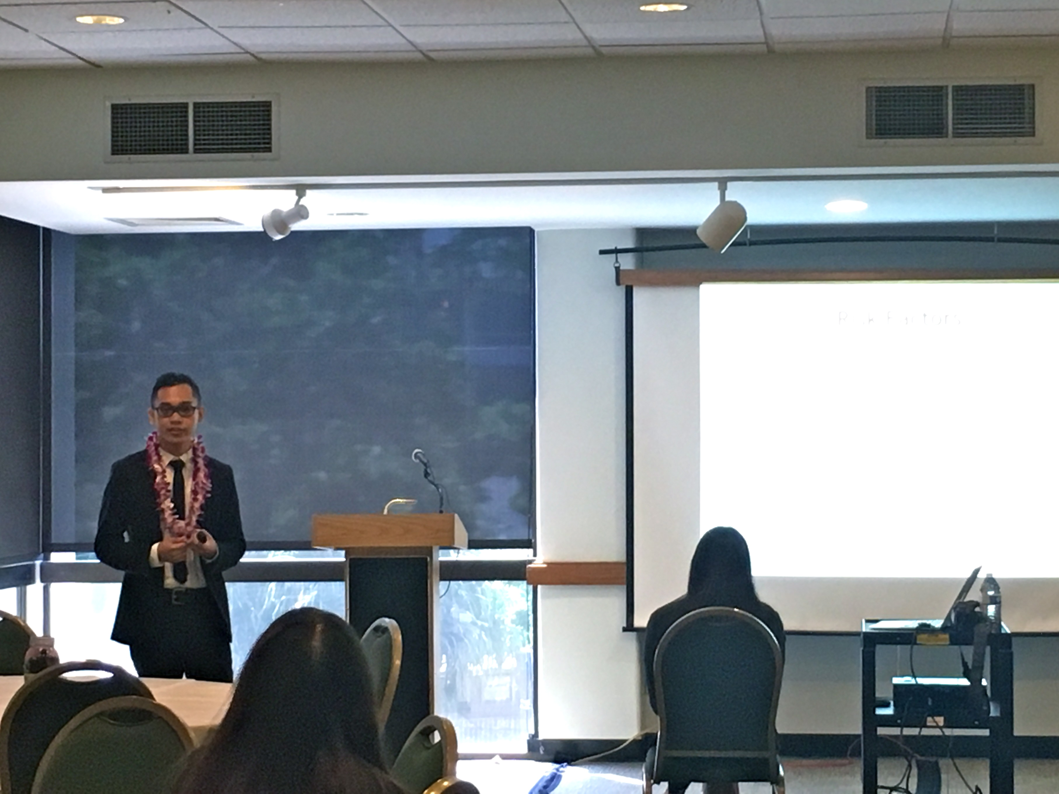 Kristen Paul Bonifacio presenting at the 2016 Psi Chi Conference at UH Manoa.