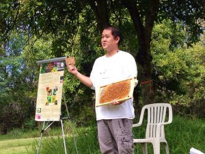 """Meet the Pollinators"" talk at the Legislators Open House, Waimanalo Research Station"