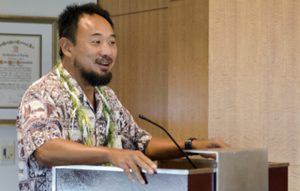 Jason Leigh, professor of information and computer sciences at UH Mānoa, presented the Cyber-CANOE 3D virtual reality environment.