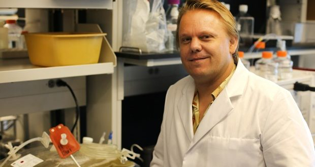 Nearly $6.3M grant to expand promising Ebola vaccine research awarded to UH researcher