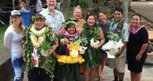 Spring 2016 Maile Mentoring Bridge graduates, mentors and administrators from UH Mānoa and Kapiʻolani CC, photo courtesy of Chip Fletcher