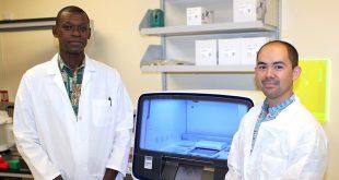 UH Mānoa researchers Lishomwa Ndhlovu and Michael Corley