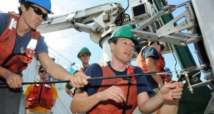 Exploring the ocean's deepest zone with $1.2M Keck Foundation grant