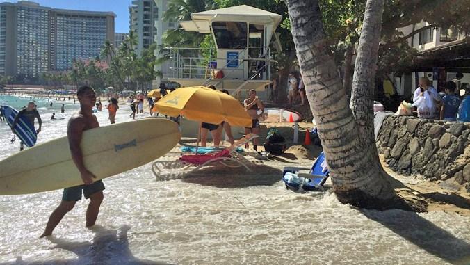 High water in Waikīkī. Credit: Hawaiʻi Sea Grant King Tides Project.