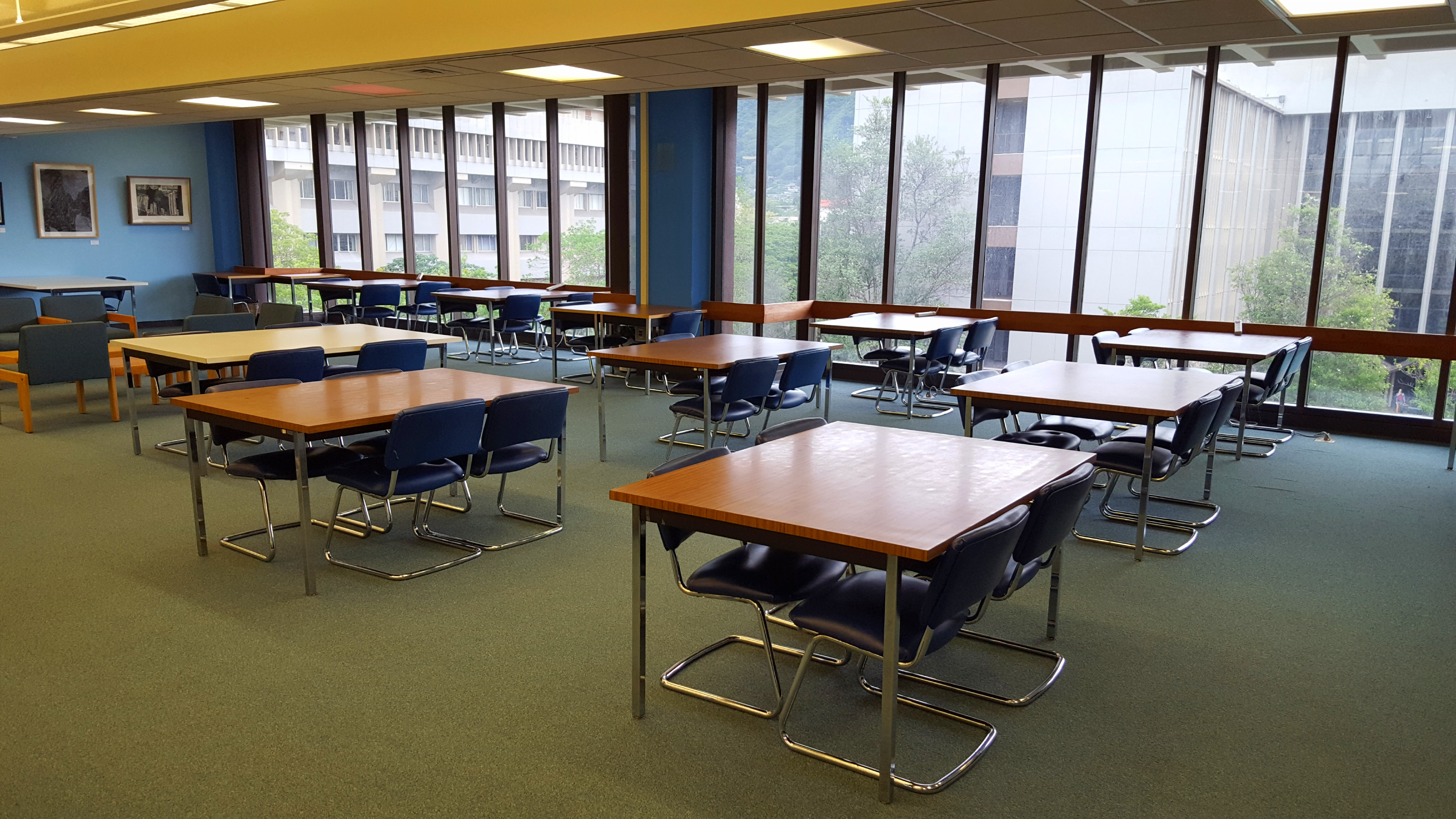 Hamilton Library Fifth Floor Study Space
