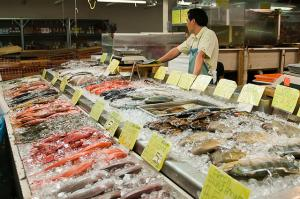 Fish market in Oahu's Chinatown.  Photo courtesy Flickr user Michelle Lee.