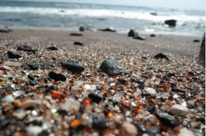<p>Fig. 1. A sideways glance along the surface of the beach reveals an array of colors amongst the grains.</p>