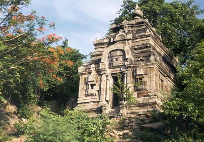 Asram Maha Rosei Angkor Borei