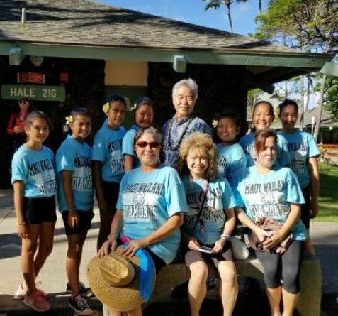 Wailani Diamonds 4-H Club with Governor David Ige at the Maui Fair 2017