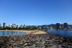 swimming-left-and-boating-right-in-honolulu-hawaii_11370118385_o