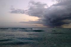 cloudburst-at-sunset-near-waikiki_26756657624_o