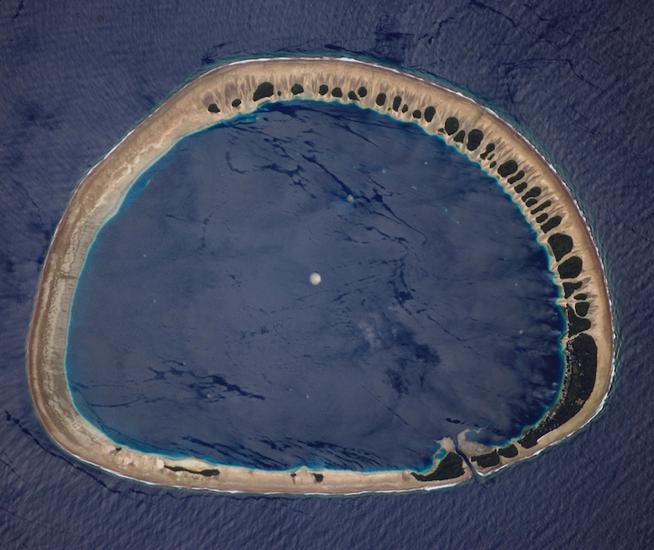<p><strong>Fig. 7.27.</strong> (<strong>A</strong>) Nukuoro Atoll, Federated States of Micronesia</p>