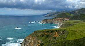 <p><strong>Fig. 5.1.</strong> Rugged rocky coastline, Big Sur region, California</p><br />