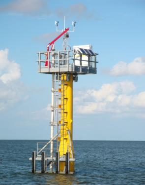 <p><strong>SF Fig. 6.16.</strong> A modern Sentinel tidal monitoring station operated by the US National Oceanic and Atmospheric Administration (NOAA) in the Gulf of Mexico</p><br />