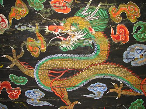 Photo of dragon painting on the ceiling of Sungnyemun or Namdaemun in South Korea