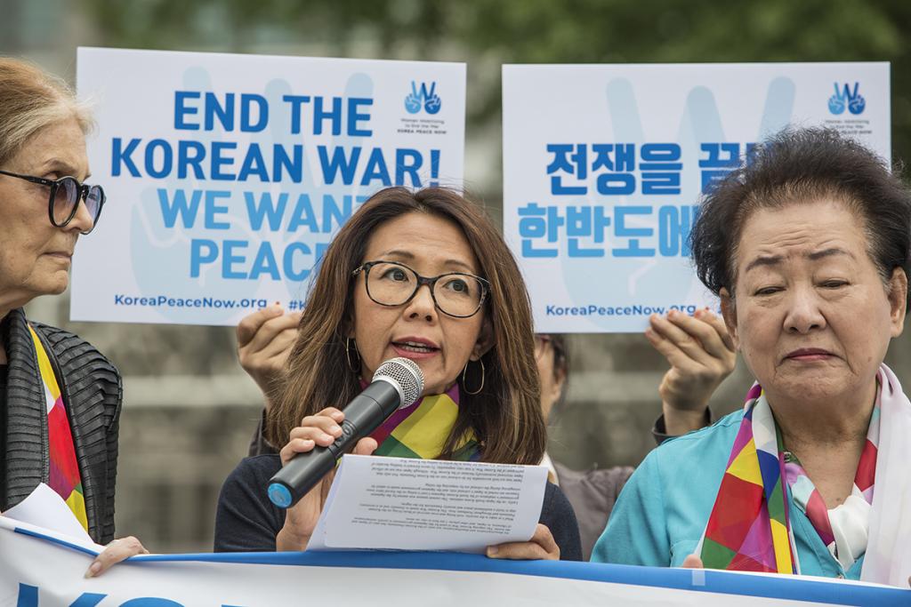 Peace forum participants