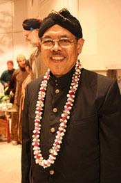 Hardja Susilo Ethnomusicology Faculty (retired) University of Hawaii Manoa