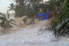 <p>Fig. 1. Waves cause severe beach erosion on the North Shore of Oʻahu.</p>
